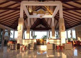 Royalton Hicacos lobby